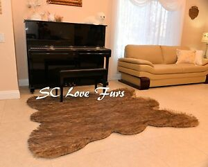 5' x 6'  Grizzly  Bear Faux Fur Bear skin Mountain Bear Area Rug