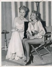 VIRGINIA MAYO Original CANDID Studio Set Vintage BEST YEARS OF OUR LIVES Photo