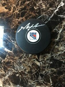 Autographed Mark Messier New York Rangers Puck Steiner Sports Certified Signed