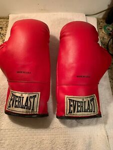 EVERLAST Boxing Gloves Ring Gloves 12 Ounce Red New No Tags Ali Frazier Foreman