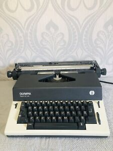Olympia Report Deluxe Electric Typwriter (model SKE) Made In Germany