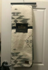 PENDLETON  50 X 70 Gray & Ivory Southwest REVERSIBLE Sherpa Fleece THROW Blanket
