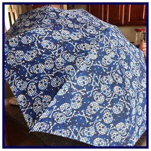 "NWT Betsey Johnson BLUE SKULL 42"" Automatic Auto Open Close Travel Umbrella NIP"