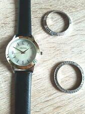 Armbanduhr/Damen, 3 Varianten ausführb./Kunstleder-Armband/Quarz/Geschenk/silber