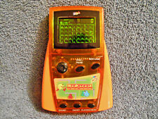 2001 MGA ENTERTAINMENT PAC-MAN ORANGE HANDHELD ELECTRONIC GAME COLOR FX2 - NICE