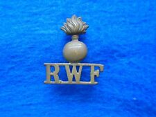 ORIGINAL WWI ROYAL WELSH, WELCH, FUSILIERS BRASS SHOULDER TITLE