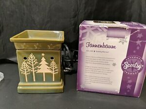 Scentsy Full Size Warmer Tannenbaum Green Christmas Tree Winter Holiday in Box