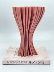Curly Vase   NewChapterNewHome - Nordic Modern Home