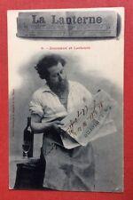 CPA. 1903. Journaux et Lecteurs. 9. LA LANTERNE. Bergeret. Homme. Bouteille Vin