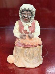 """1993 Vantage Point 4"""" Knitting Grandma Figure"""