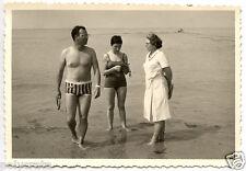 Famille bord de mer plage vacances - photo argentique ancienne an.1950