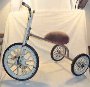 VINTAGE 1960 RUSSIAN SOVIET METAL TRICYCLE * Kid's Tricycle * малыш * malish *