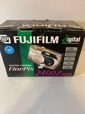 Fuji Film FinePix2400 Zoom 3X Optical Zoom 2.1 Mega Pixels 2.5 Telephoto