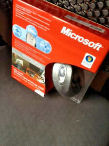 Microsoft Wireless Optical Mouse 5000 (M03-00083)