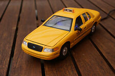 FORD CROWN VICTORIA TAXI 1:24 MIT LED-BELEUCHTUNG(XENON) WELLY