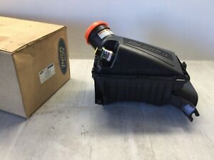 1999 Ford Super Duty 7.3L OEM Air Cleaner Assembly F81Z-9600-BA