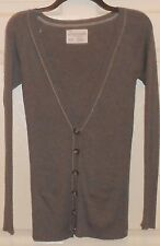 LADIES GRAY AEROPOSTALE LONG SLEEVE WITH V-NECK LINE SWEATER SIZE XS/TP--USED