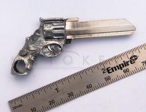 Gun Revolver Cast Metal Art Key blank Schlage SC1