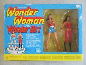 VINTAGE 2001 DC DIRECT SILVER AGE WONDER WOMAN AND WONDER GIRL FIGURE SET