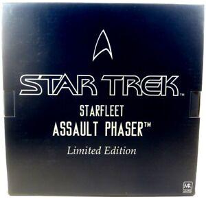 Master Replicas Star Trek STARFLEET ASSAULT PHASER PROP REPLICA! No COA #FF