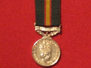Miniature Original UDR Ulster Defence Regiment Medal EIIR small piece of ribbon