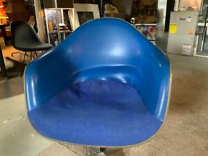 Vintage BLUE Eames /Herman Miller Naugahyde & Fabric Arm Chair...SHELL ONLY