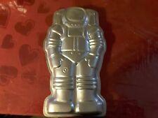 Wilton vintage astronaut cake pan