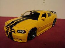 Jada  2006 Dodge Charger SRT 8  1:24 Scale  new no box 2015 release yellow