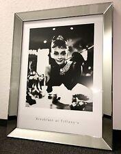 Bild Spiegelrahmen Breakfast at Tiffanys Audrey Hepburn 90x70cm Spiegel Wandbild