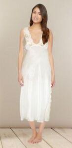 Ladies Famous Make Luxury Bridal Ivory Nightdress Chemise. Sizes 10-18.