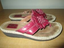 Clarks Artisan Women's Size 10 Cushioned Red Leather Slide Sandals - Very Nice