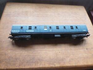 """Lima BR Mk1 Gangwayed full brake """"Express parcels """" No.B80855"""