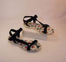 New SO Hackyblack Daisy Print Sport Sandals Woman's Size 6.5 Retail $39.99