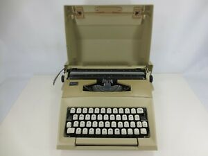 Vintage Smith-Corona Courier Typewriter FOR PARTS Not Working