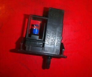01-05 LEXUS IS300 GLOVE BOX STORAGE COMPARTMENT LIGHT LAMP SWITCH BUTTON OEM