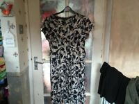 Maine Ladies Dress Size 14, Brand New Without Tags, Beautiful Design.