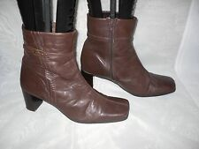 WOMENS BARRATTS DARK BROWN  ZIP LEATHER MID HEEL ANKLE BOOTS SIZE:7/41(WB602)