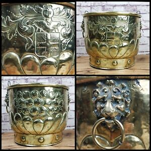 Antique Embossed Brass Log coal Fire Bin Bucket Coat of Arms Crest Lion handle