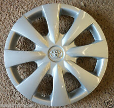 "Genuine Toyota Corolla Hub cap 09 10  11 for 15"" wheel SILVER EMBLEM"