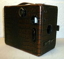 Antiguo Década de 1920 Puck Caja Cámara con revestimiento sintética Aligator