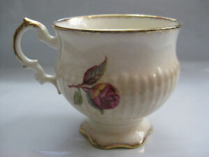 Elizabethan Fine Bone China Teacup  #34155 Gold-Plated **Made In England**