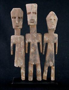 Art Africain Arts Premiers - Trois Fétiches Adan Aklama sur Socle - 25 Cms +++++
