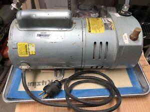 Gast 3/4 HP Oil-less Rotary Vane Vacuum Pump 110V/230V 10 CFM, 1023-101Q-G608X