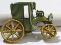 broche bijou vintage base couleur argent émail vert carrosse tacot * 4163