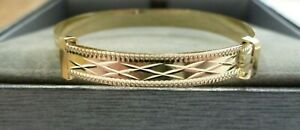 9ct Gold Bangle 2.9 grams - Child's/Baby 4.8 mm Wide Expanding Patterned Solid