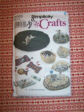 Simplicity 9065 sewing pattern, dog and cat beds and place mats