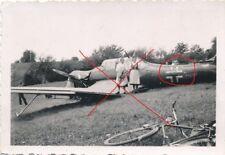 Nr.18382  Foto PK 2. Weltkrieg abgestürzter Flieger Fahrrad