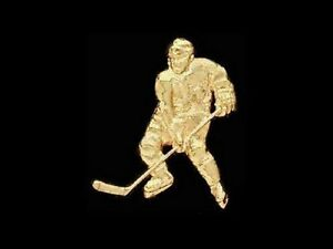 Large Hockey Player Lapel Pin - HIGH GLOSS GOLDTONE