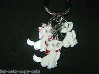 CUTE ANIMATED MARNIE WHITE DISNEY CATS 3 PIECE ENAMEL KEYRING CHARM GIFT IDEA