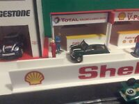 NEW 1:32 Scale Slotcar - Total Oil Racing Pit Building Ninco Scalextric Carrera
